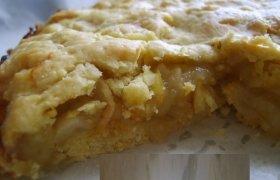 Amerikietiškas traškus obuolių pyragas