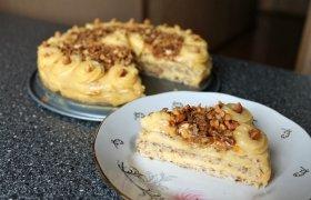 Morenginis riešutinis tortas su plikytu kremu