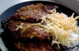 Bulviniai blynai su sūriu