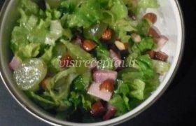 Vynuogių ir migdolų salotos