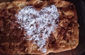 Obuolių pyragas su meile