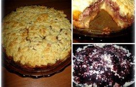 Šviesus trupininis pyragas su varške ir uogiene