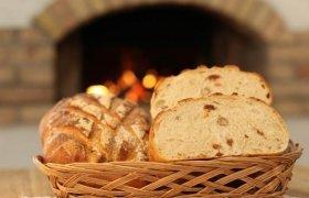 Balta duona su riešutais ir razinomis (su raugu)