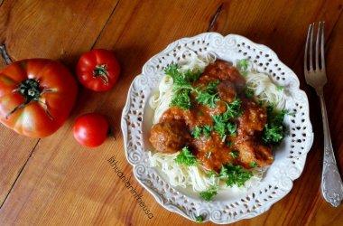 Mėsos kukuliai pomidorų padaže