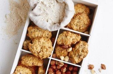 Visų grūdo dalių sausainiai su riešutais ir imbieru