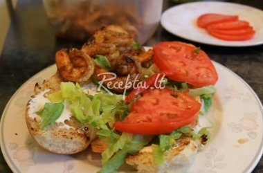 Lauko sumuštinis su krevetėmis