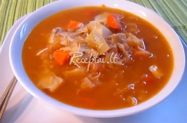 Raugintų kopūstų sriuba su vištiena