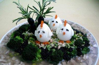 """Vištienos šaltiena su daržovėmis """"Velykų sala"""""""