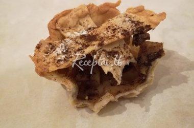 Vasariškas obuolių pyragas