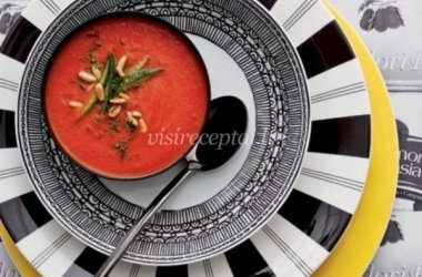 Pomidorų sriuba su cukinija