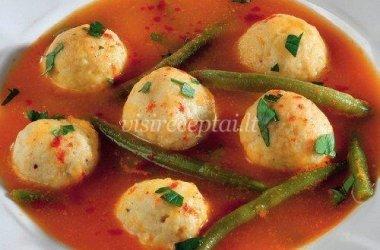Daržovių sriuba su vištienos kukuliais