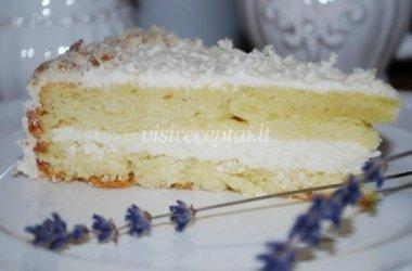 Tortas su varškės kremu