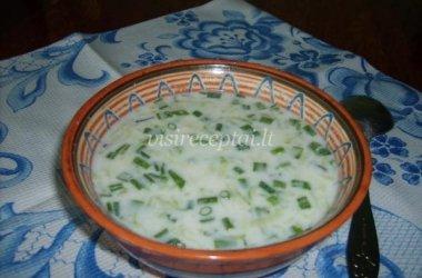 Špinatų sriuba su sūriu