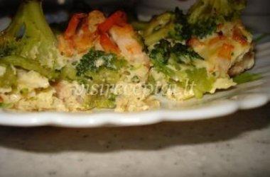 Kiaušinių plakinyje kepti brokoliai ir krevetės