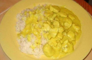 Troškinta vištiena ananasų sultyse