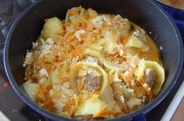 Bulvių, įdarytų mėsa, troškinys