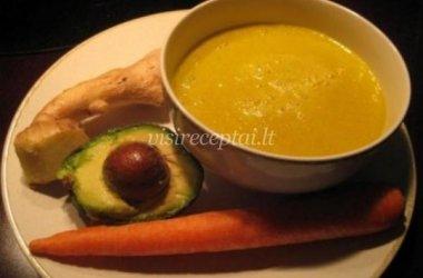 Avokadų sriuba su imbieru