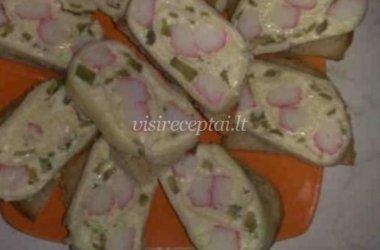 Sūrio ir krabų lazdelių sumuštiniai
