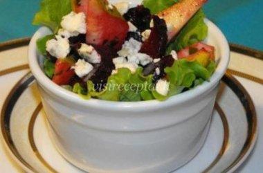 Burokėlių salotos su kriaušėmis