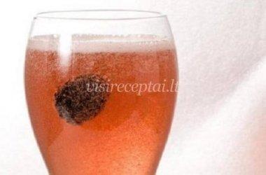 Gervuoginis putojančio vyno kokteilis