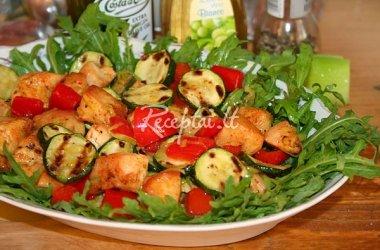 Karštos vištienos ir cukinijų  salotos