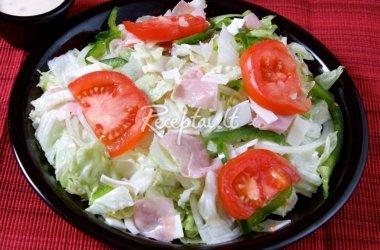 Kumpio su sūriu salotos
