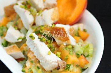 Saldžios vištienos salotos