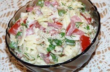 Kopūstų salotos su pomidorais