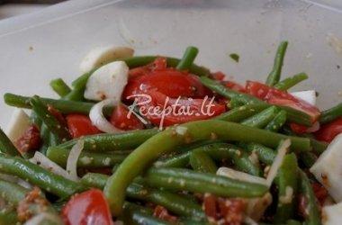 Šparaginių pupelių ir pomidorų salotos