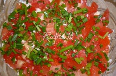 Žuvies salotos su pomidorais