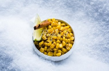 Karštieji kukurūzai su cinamonu ir žaliąja citrina