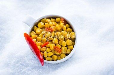 Karštieji kukurūzai su aitriosiomis paprikomis