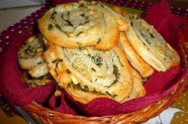 Pikantiški sluoksniuotos tešlos pyragėliai