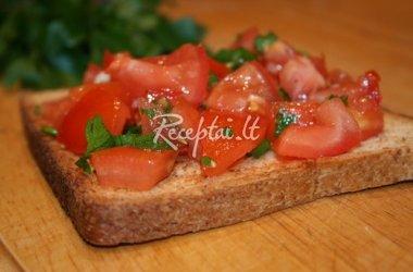 Miglės skrebučiai su pamidorais