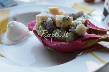Gaivios vaisių salotos su drakono vaisiumi (kertuočiu)