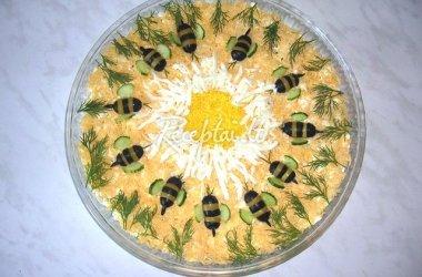 Skanios paukštienos ir ananasų salotos