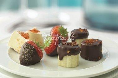 Šokoladiniai vaisiai Mažas gardus ir gundantis desertas
