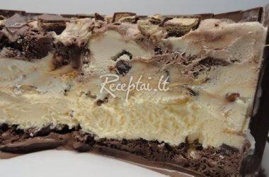 Ledų tortas su šokolado batonėliais