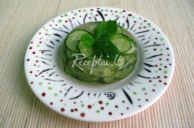 Mėtinis agurkų desertas