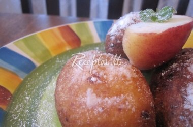 Varškės spurgos su obuoliais