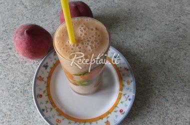 Kokteilis su persikais