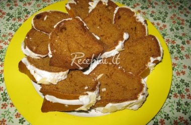Morkų pyragas