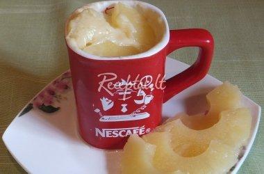 Ananasų pyragas puodelyje