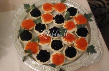 Tartaletės su lašiša ir ikrais