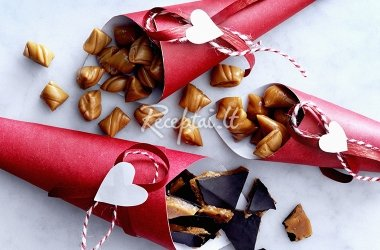 Karameliniai saldainiai su riešutais