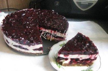 Maskarponės tortas su juodaisiais serbentais