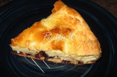 Varškės pyragas  su spanguolėmis