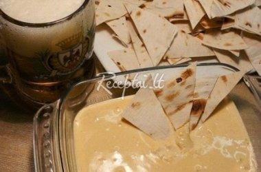 Traški pitos užkandėlė su sūrio padažu