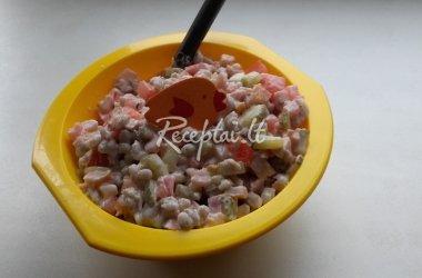 Skanios perlinių kruopų salotos vakarui sušildyti