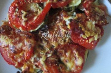 Cukinija su pomidorais ir brinza